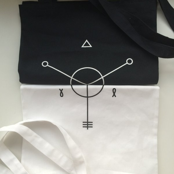 Animal ДжаZ: черная сумка с логотипом альбома «Хранитель весны»